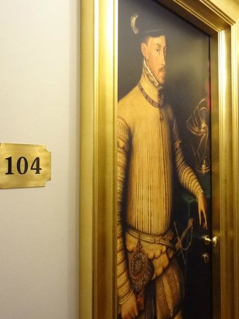 Hotel Vasari Palace: room door