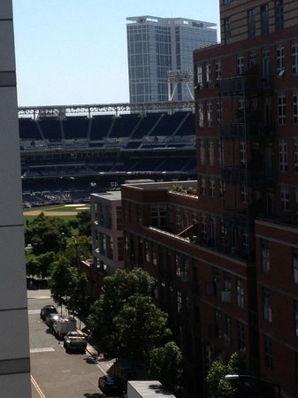 Hotel Indigo San Diego Gaslamp Quarter: View from our room of Petco Stadium