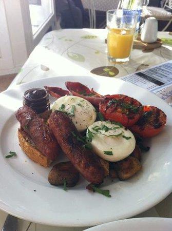 The Cornish Deli: Full Cornish breakfast. Delicious.