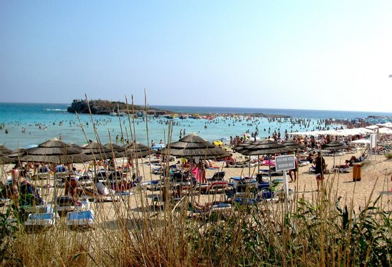 Melpo Antia Hotel Apartments : пляж Nissi Beach