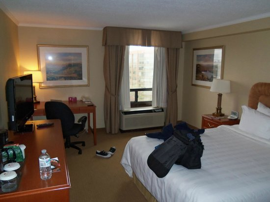 Crowne Plaza Toronto Airport: View from door into room.