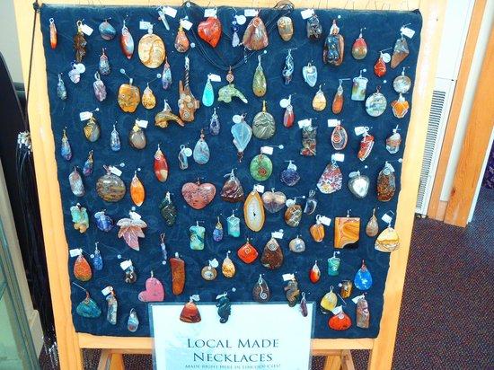 Rock Your World: Pacific Northwest Gem & Jewelry Gallery: Handmade gemstone pendants!