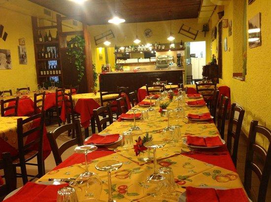 San Genesio ed Uniti, Italy: Sala interna