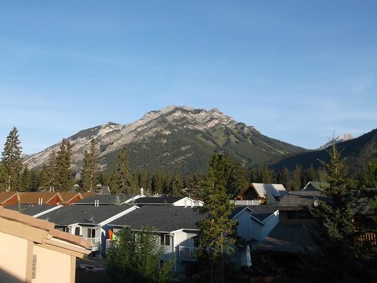 Red Carpet Inn: View from back patio. Mt. Norquay