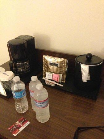 Hilton Garden Inn Los Angeles/Hollywood: café offert