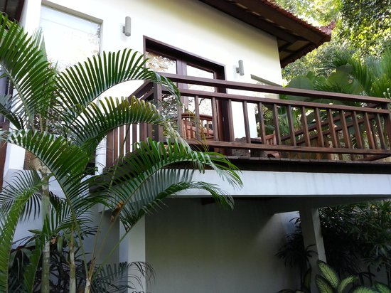 The Luku Boutique Villa & Gallery: Balcony facing the forest. .lovely.