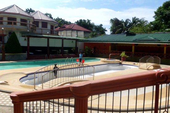 Water Paradise Resort: Pool Area