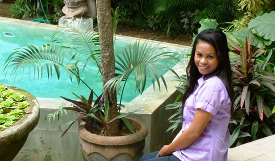 Bali Mystique Hotel and Apartments: Pool & staff