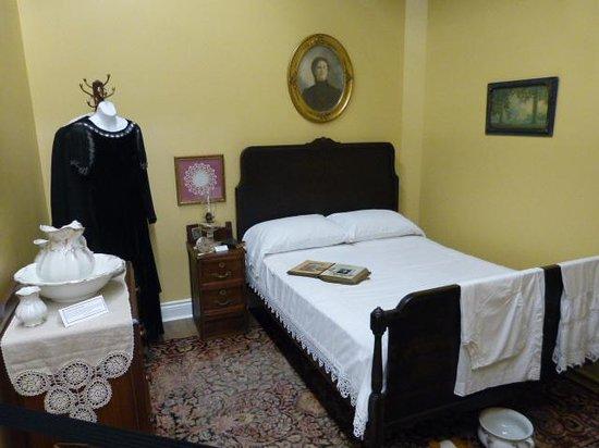 Westbank Museum: Old Bedroom