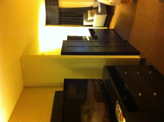 Holiday Inn Express & Suites Grand Forks: king suite