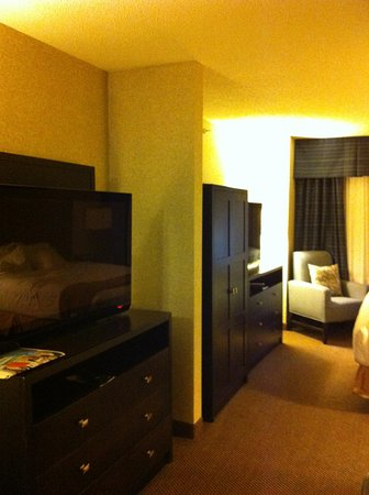 Holiday Inn Express & Suites Grand Forks : king suite