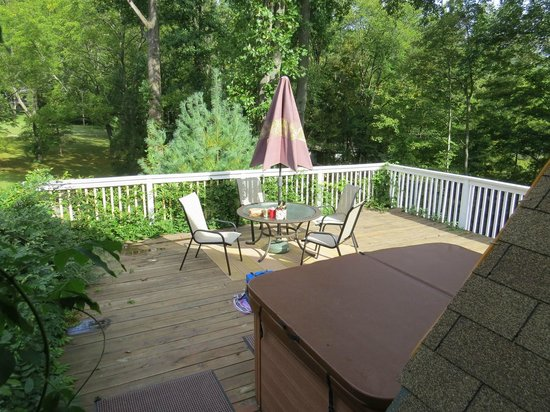 Cherry Valley Manor : Deck