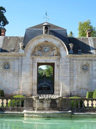 Château de Bizy : Courtyard - Chateau Bizy
