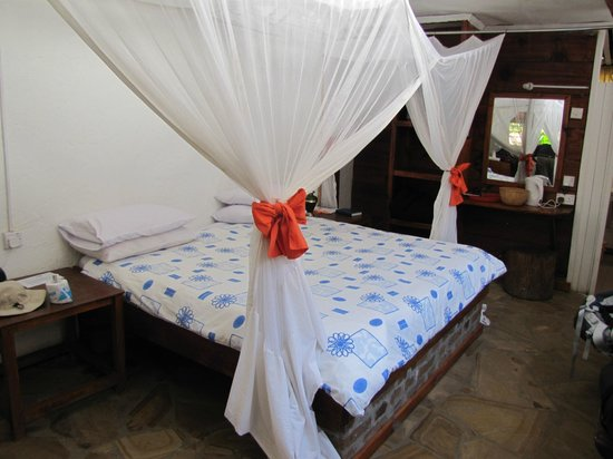 Outpost Lodge: Bed