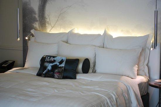 Renaissance Paris Le Parc Trocadero Hotel : Room