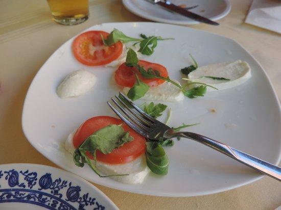 Ristorante Pizzeria Rio Novo: mediocre caprese salad