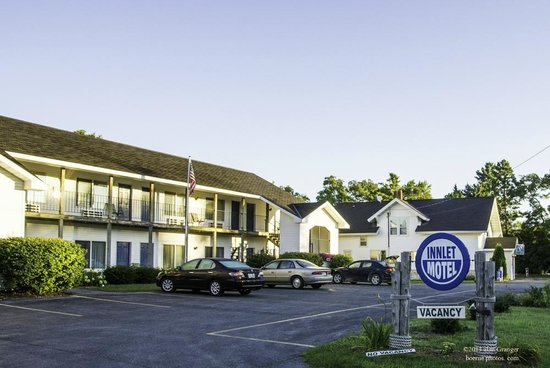 Exterior of the Innlet Motel