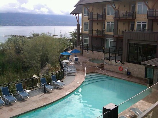 Summerland Waterfront Resort & Spa : View From Room