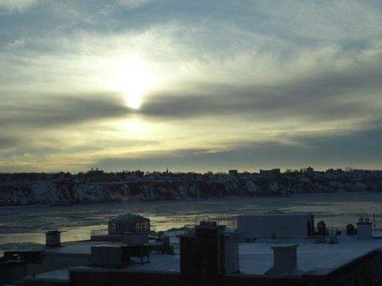 Hotel 71: Ciel de décembre à Québec