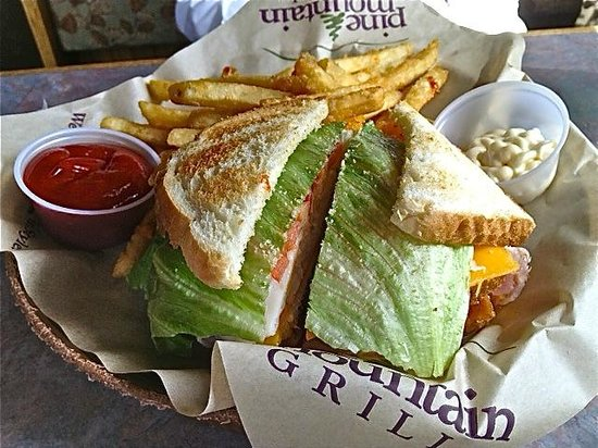 Pine Mountain Grill: Great Club Sandwich and Fries