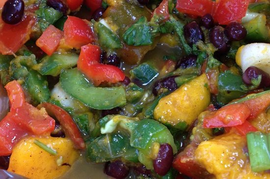 Bilinda Charters : Capt Dee's homemade mango, pepper nd bean salad...yum!