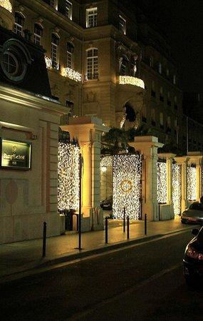 Shangri-La Hotel Paris: Hotel!