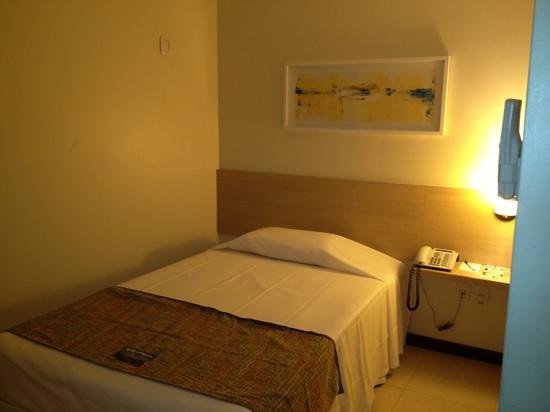 Tulip Inn Belem Nazare: Quarto / room 205 (set/2013)