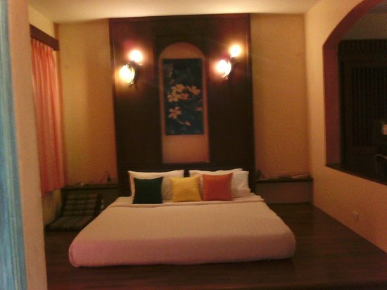 Ao Chalong Villa & Spa: bed area
