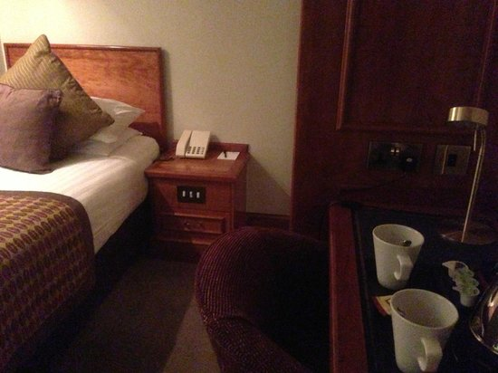 "Best Western Plus Manchester Airport Wilmslow Pinewood Hotel: Single room is ""compact"""