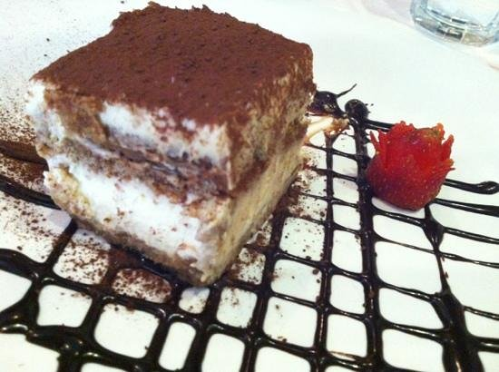 Gianni's Trattoria: THE Best Tiramisu...