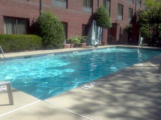 Hampton Inn Alpharetta/Roswell : nice pool