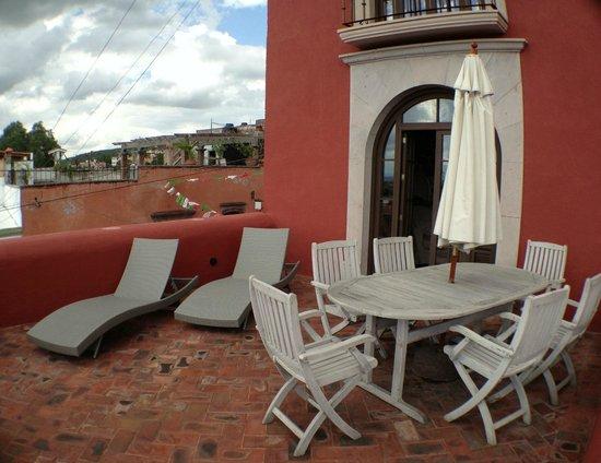 Hotel El Palomar: Terrace