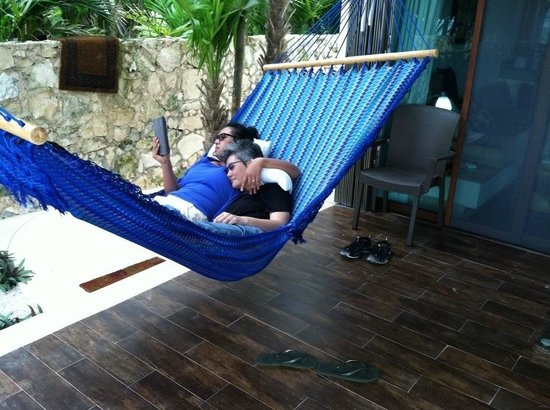 Casa Aquamarine Villa : Our favorite hammock
