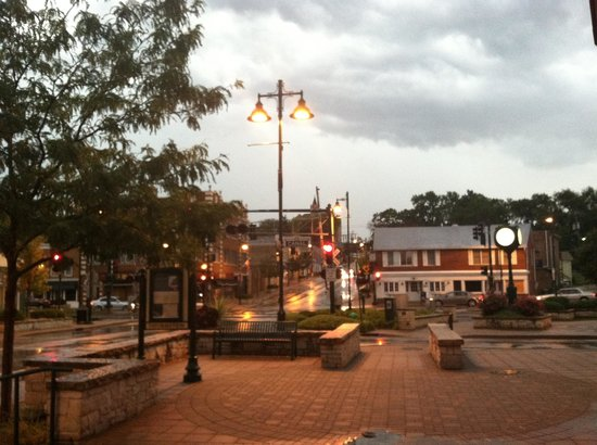 The Inn at Smokey Row: The view from the front door (downtown Lemont)