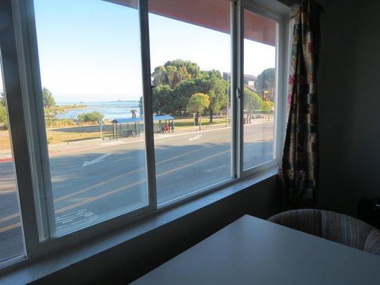 فرونت ستريت إن: Double room with a view