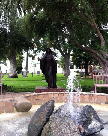 Mission San Luis Rey: Cemetery fountain