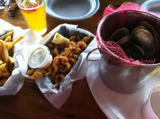 The Lobster Trap Fish Market and Restaurant : Clam strips and Steamers