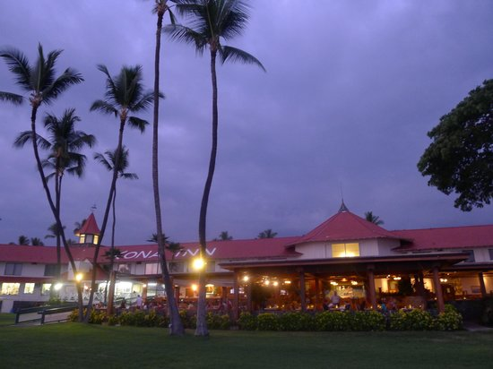 Wyndham Kona Hawaiian Resort : Historic Kona Inn in downtown Kona