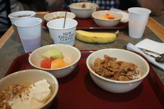 Best Western Plus Cold Spring: Our breakfast from the buffet
