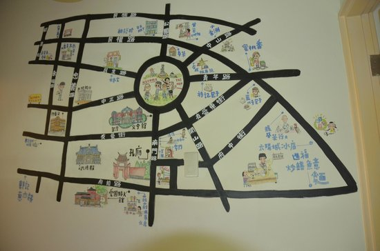 Thirteen House: Map of the city centre on the wall