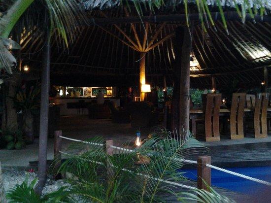 Paradise Cove Resort: the Nakamal