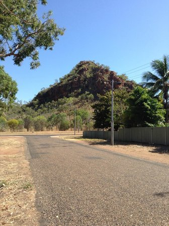 Kununurra Visitor Centre: View from backpackers