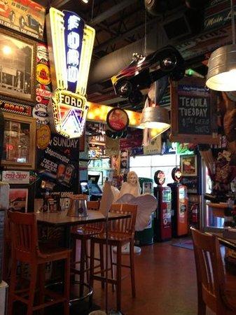 Sanford's Grub and Pub: unique restaurant