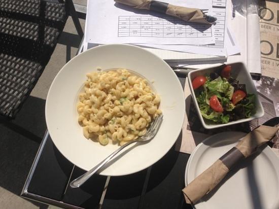 Midtown Kitchen & Bar: Gorgonzola Mac & Cheese