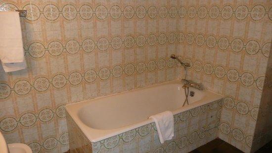 Albion Hotel: baignoire