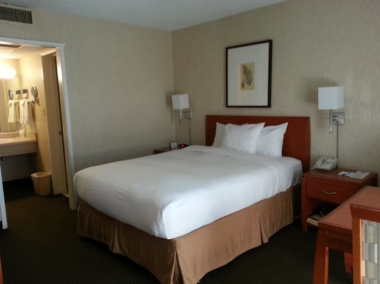 Vagabond Inn - Glendale : Queen Bed Room