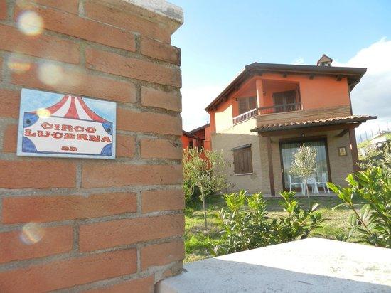 Casa Vacanze Circo Lucerna : Ingresso B&B