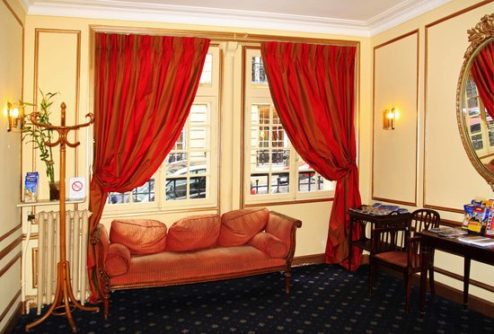 Phenix Hotel: Hotel Foyer (photos from Noni Pratt) nonirene2@live.com
