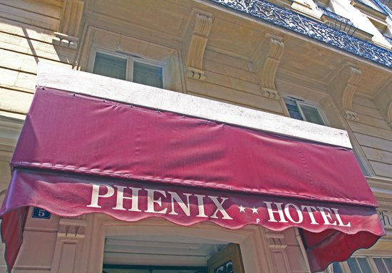 Phenix Hotel: Canopy at Hotel Entrance