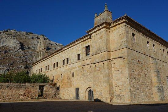 Posada de Santa Maria la Real: remains of adjacent monastery